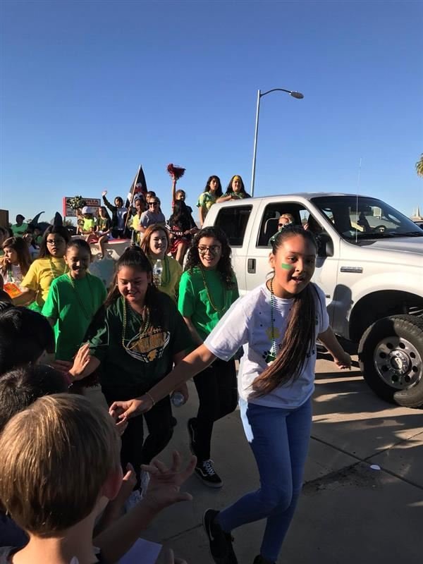 Peoria Elementary in the Peoria High School Homecoming Parade!