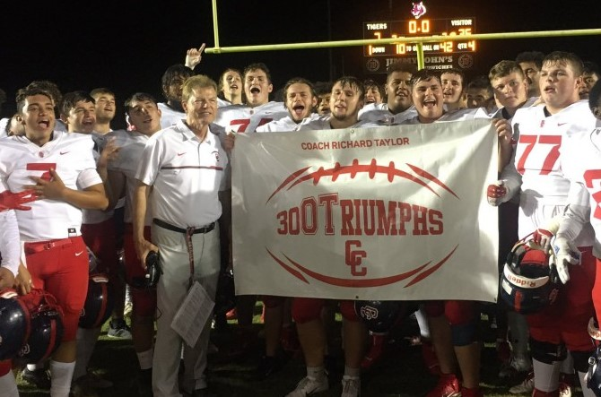 Football Wins Section Title, Qualifies for the Open State Tournament